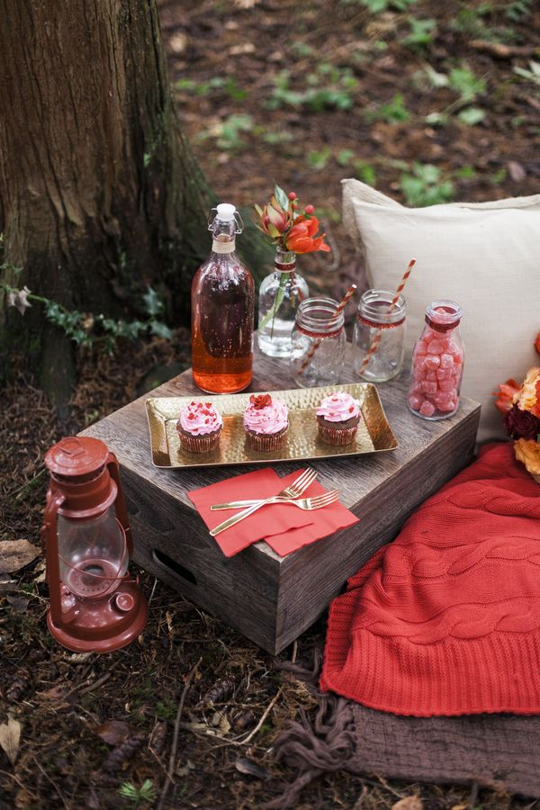 Romantic Valentine's Day décor ideas / Emily Louise Photography