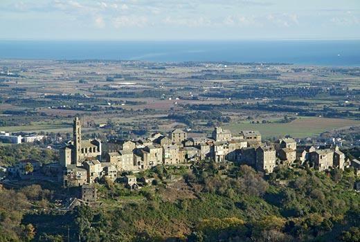 Région de Casinca - Venzolasca est une commune située dans la Haute-Corse.Petit hameau pittoresque, Venzolasca a été construit dans la montagne, à l'abri des invasions. Il s'étale sur une sorte d'amphithéâtre naturel descendant vers la mer.