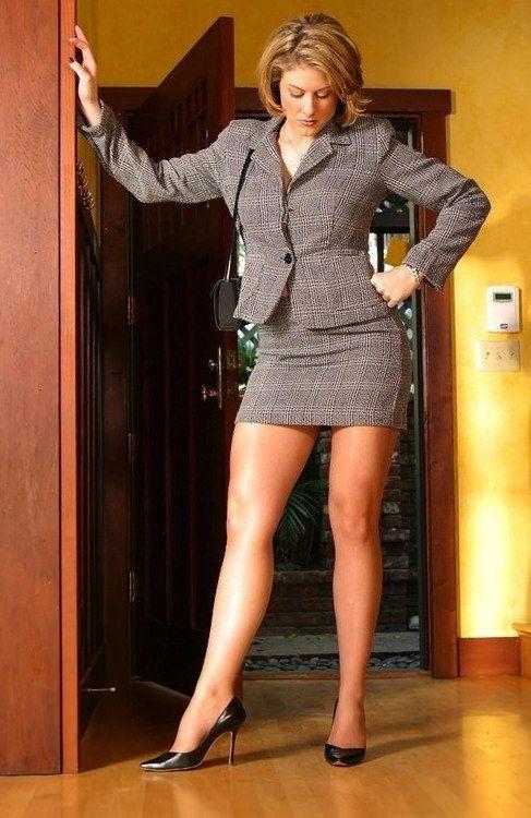 Mature women legs Pin On Stockings