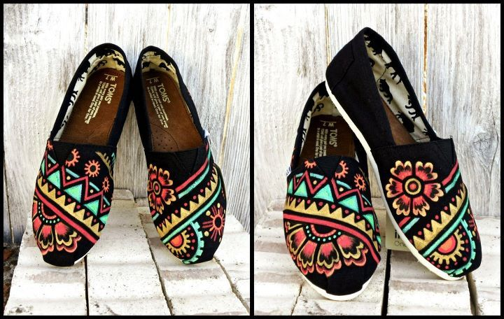 tribal flower toms shoes absolutely love these !!!!!