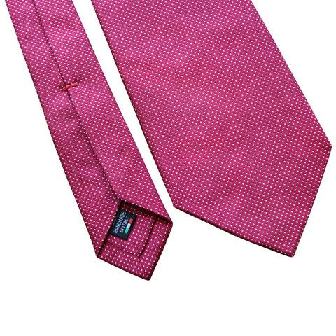 Pheobes  Dee Carrick Seven Fold Tie in Red. All our ties are  handmade in Italy #sevenfoldtie #menswear #style #gentleman