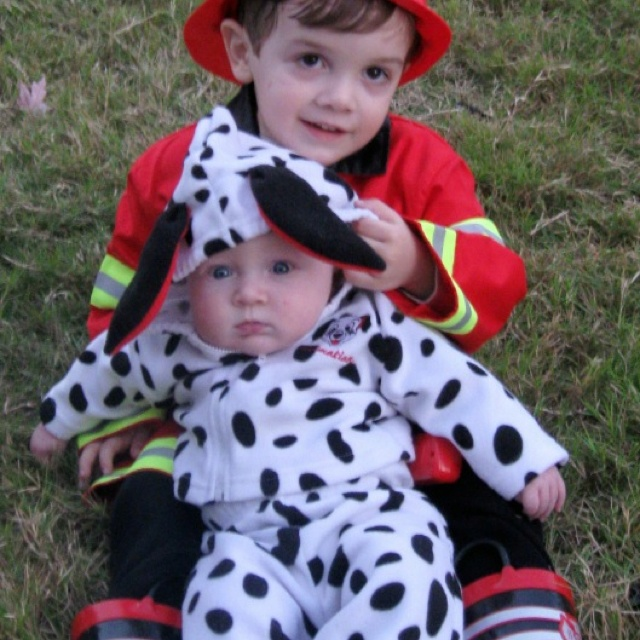 Brothers Halloween costumes: fireman & dalmation