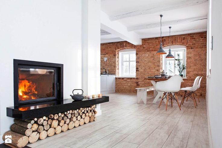 Dom weekendowy całoroczny - Kuchnia, styl skandynawski - zdjęcie od Kwadraton fireplace | livingroom | scandinavian design | white | red brick |