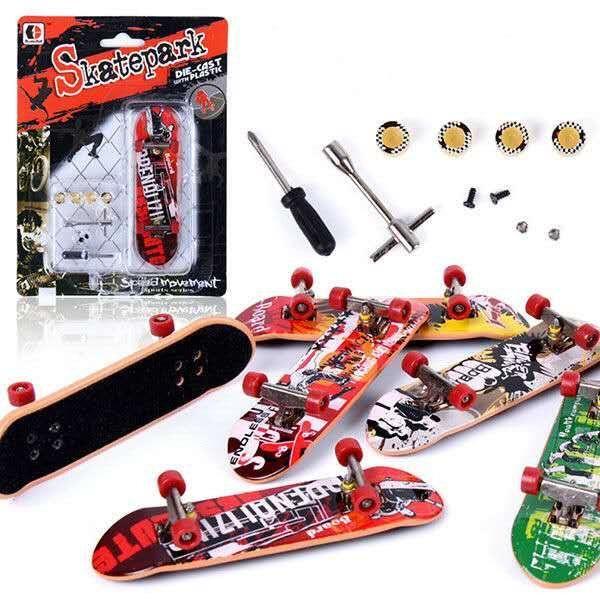 Alloy Stand FingerBoard Mini Finger boards With Retail Box Skate trucks Finger Skateboard for Kid Toys Children Gift