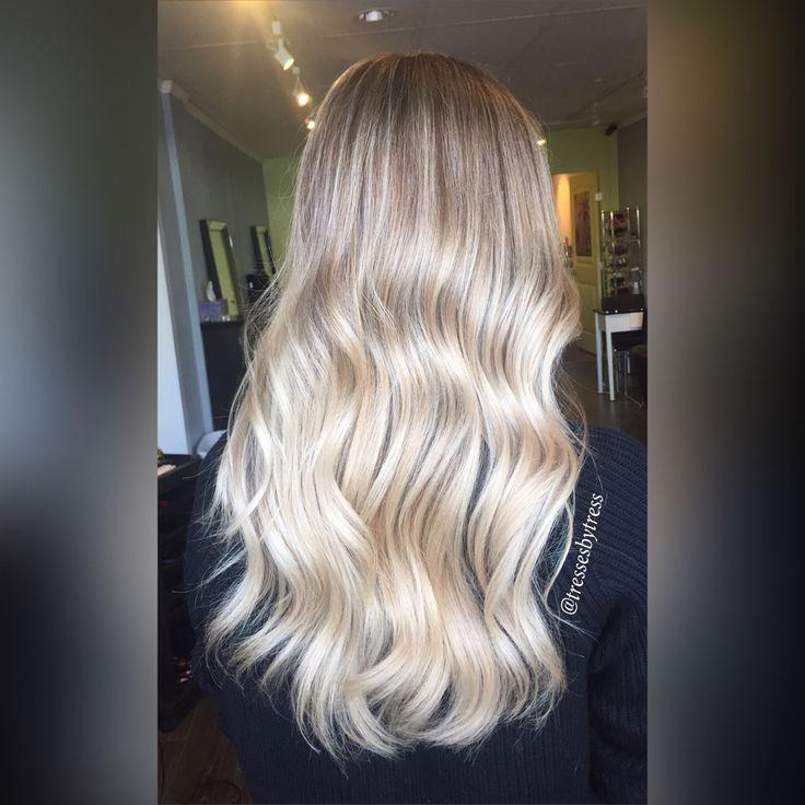Platinum blonde balayage ombre