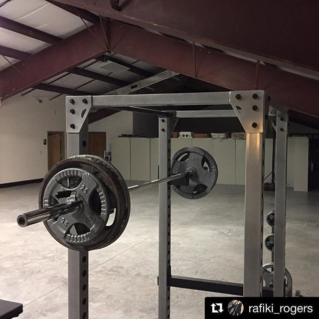 Thanks to Rafiki Rogers (@rafiki_rogers) for sharing his workout space with us! Rafiki has a GPR378 Power Rack GFID71 Bench Steel Grip Olympic Weights and more. #bodysolid #builtforlife
