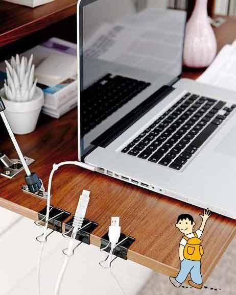 Ideas para organizar los cables del despacho de un maestro o professor.