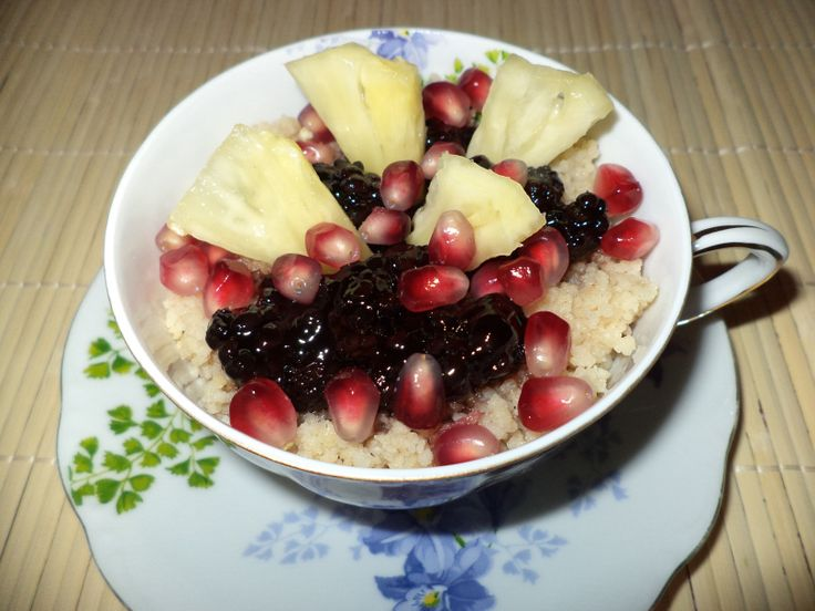 Cuscus Cu Dulceata De Mure / Couscous With Blackberry Jam https://vegansavor.wordpress.com/2015/07/23/cuscus-cu-dulceata-de-mure-couscous-with-blackberry-jam/ #Topoloveni #jam #vegan #blackberry #pineapple #pomegranate #couscous #sweets