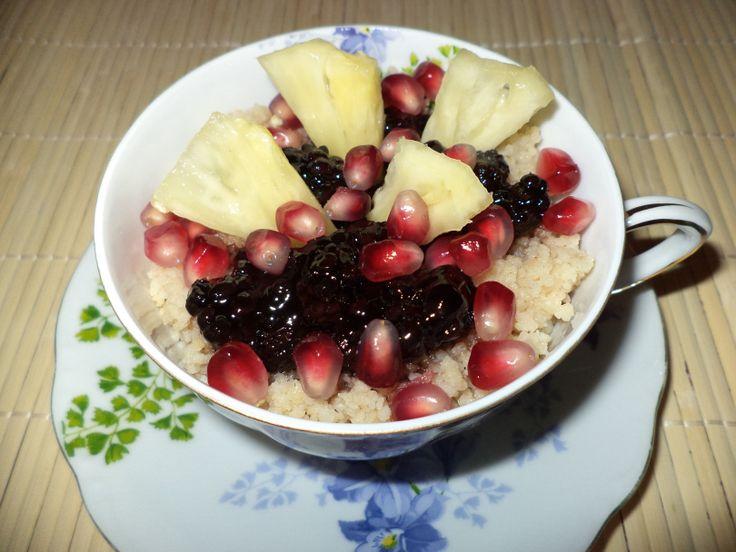 Cuscus Cu Dulceata De Mure / Couscous With Blackberry Jam https://vegansavor.wordpress.com/2015/07/23/cuscus-cu-dulceata-de-mure-couscous-with-blackberry-jam/ #Topoloveni #jam #vegan #blackberry #pineapple #pomegranate #couscous #sweets