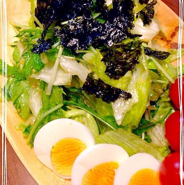 このサラダは、パンチが効いてて癖になる味⁽⁽ૢ(⁎❝ົཽω❝ົཽ⁎)✧ モリモリレタスが食べれます 韓国海苔がいい仕事してますp(^_^)q - 43件のもぐもぐ - レタスと水菜の韓国風サラダ by yukodana