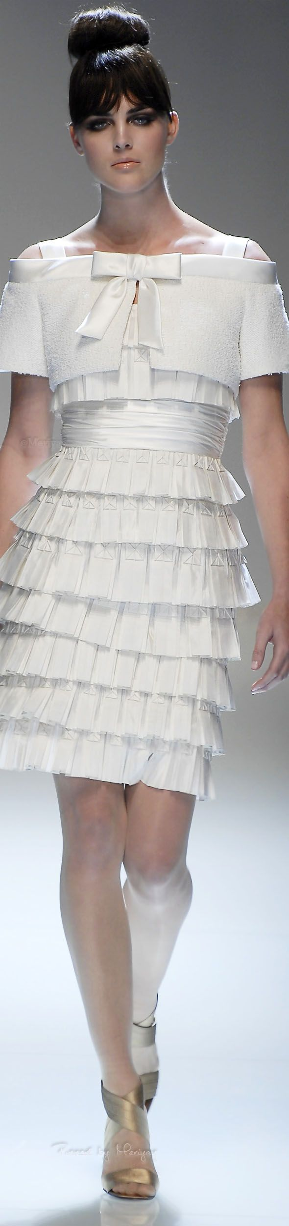 Stunning white  ruffled midi dress with bow details for Valentino