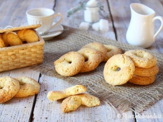 Taralli Dolci  Dalla migliore tradizione napoletana... i taralli diventano dolci! :D http://bit.ly/Taralli-dolci