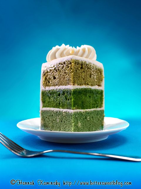 How to get different shades of green- Naturally-Dyed Green Cake by Bitter-Sweet-, via Flickr