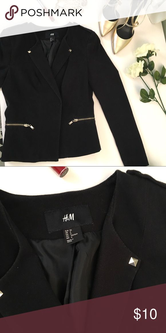 H&M Black Blazer with Stud and Zipper Detailing You'll love wearing this blazer on your next night on the town, or to happy hour after work! Features a gold stud on each lapel, and two gold zipper pockets. I wore and washed this about 5x total! It is in great condition! Hope you love your new blazer! 💕 H&M Jackets & Coats Blazers