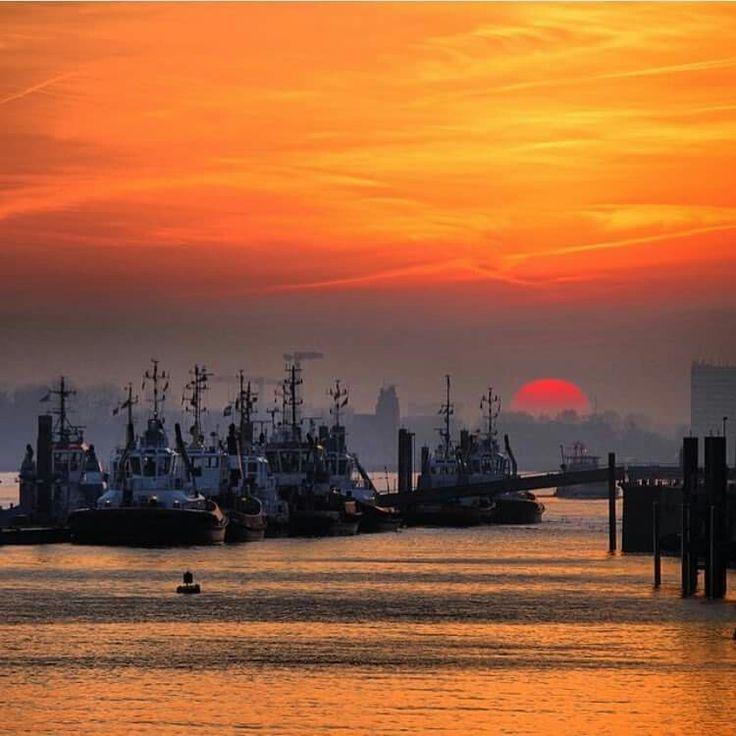 Sonnenuntergang im Hamburger Hafen | Hamburg - Das Tor zur ...