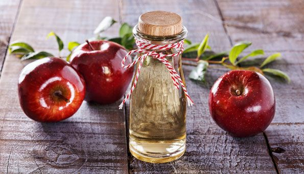 Apfelessig Wirkung: Haut pflegen und Pickel bekämpfen