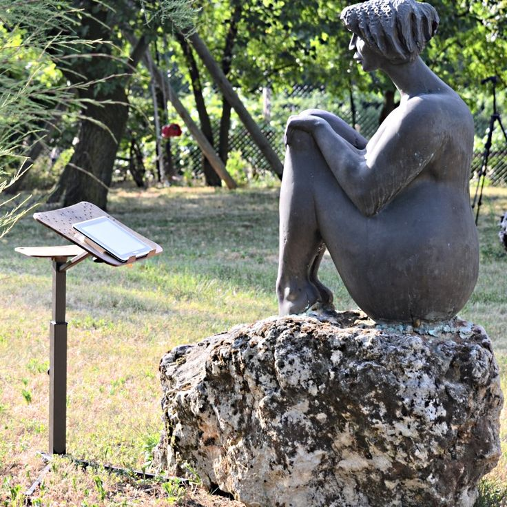 Lounge-book Ecodesign Versione Ecologica del sostegno per Notebook e Tablet