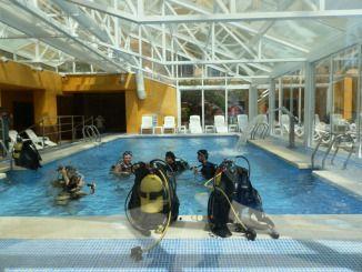 Nuestros asociados Barracuda Buceo y Gran Hotel Peñíscola organizaron el pasado puente de mayo una sesión de bautismo de buceo a precios populares con motivo de la Fiesta del Mar