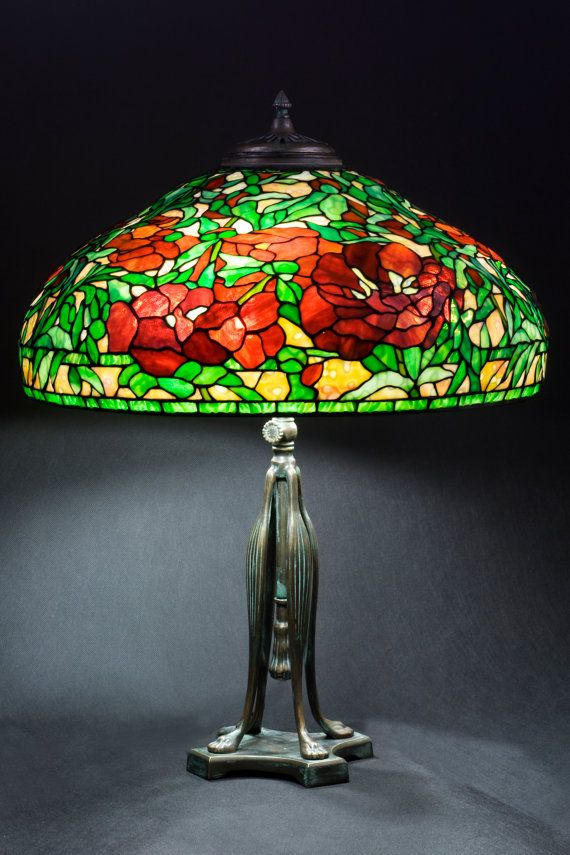 Handmade Tiffany Vintage replica Stained Glass 'Peony Lampshade'. Table Lamp by 'WPworkshop' on Etsy♥≻★≺♥