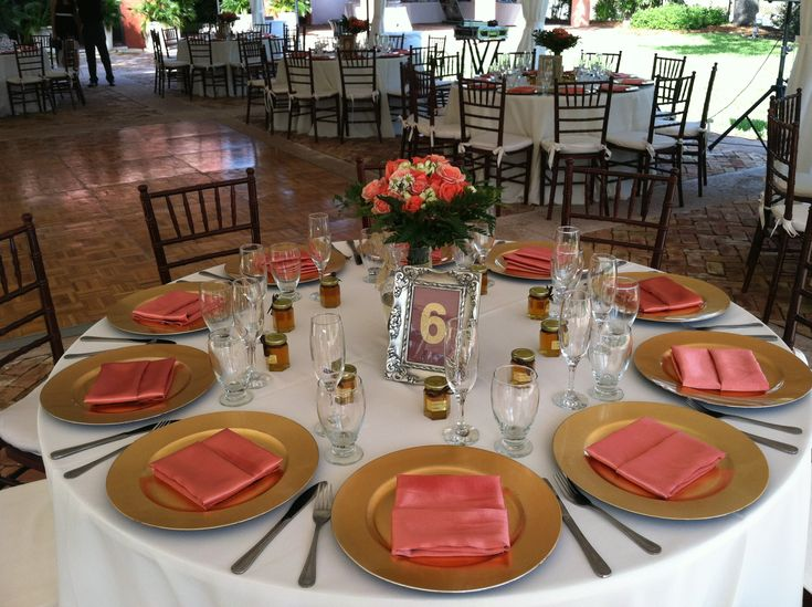 Outdoor Garden Wedding / Round Table Setting With Ivory Linens / Gold  Chargers / Coral Peach Satin Napkins/Centerpieces With Orange  Roses/Thalatta ...