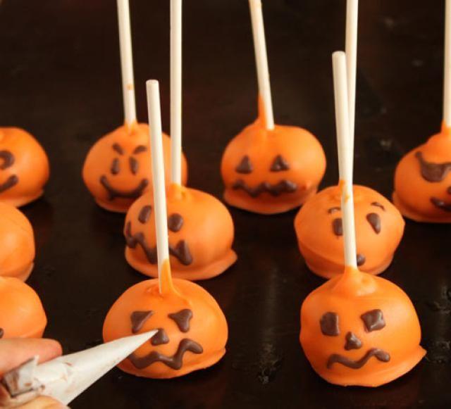 How to Make Pumpkin Cake Pops