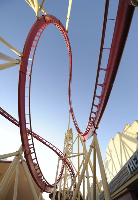 I think this is Hollywood rip ride rocket also one of the best Rolar coasters ever
