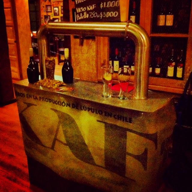 Celebrando en Caravan Irish pub Temuco el día internacional de la IPA