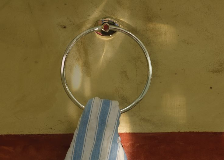 Melodia Collection Towel Ring