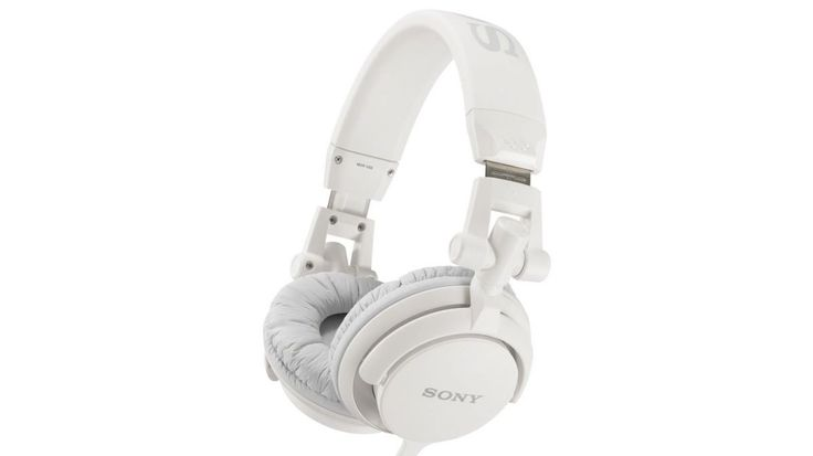 Sony MDR-V55 review | Sony's headphones are attractively designed, but do these cans sound as good as they look? Reviews | TechRadar