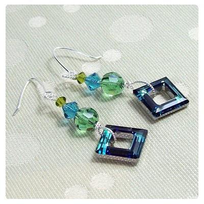 Fülbevaló inspiráció Swarovski Elements #4439 Négyzet medálból, #5000 és #5328 kristály gyöngyökből