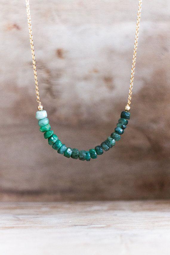Rohe Smaragd Halskette kann Birthstone von AbizaJewelry auf Etsy