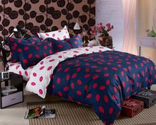 Девушки свадебный поцелуй любовь пододеяльник синий размер королева простыня устанавливает 100 хлопок масло печать постельные принадлежности домашнего текстиля розовый роскошное постельное(China (Mainland))