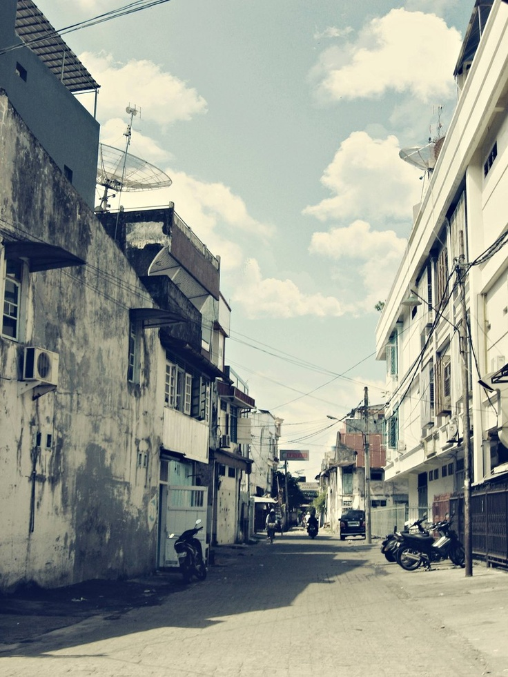 Chinatown, Makassar    Sudut lengang di kawasan pecinan.