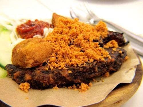 Daging Empal Penyet (Flattened Fried Beef)