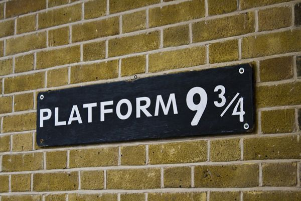 Harry Potter party decoration idea: a Platform 9 3/4 sign for the entryway.