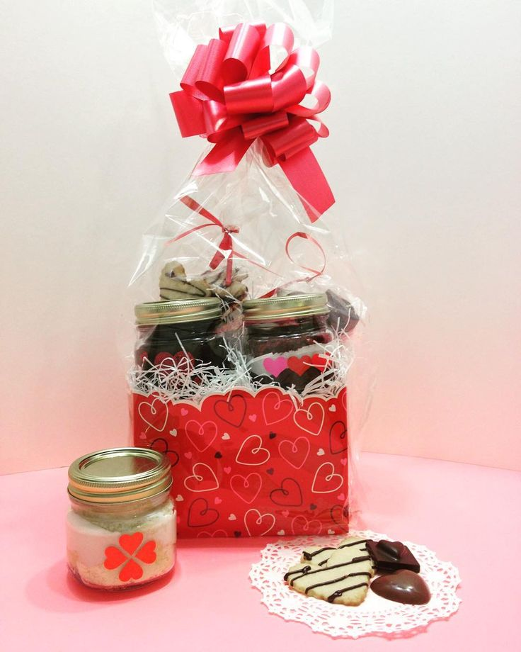valentines day baskets wholesale