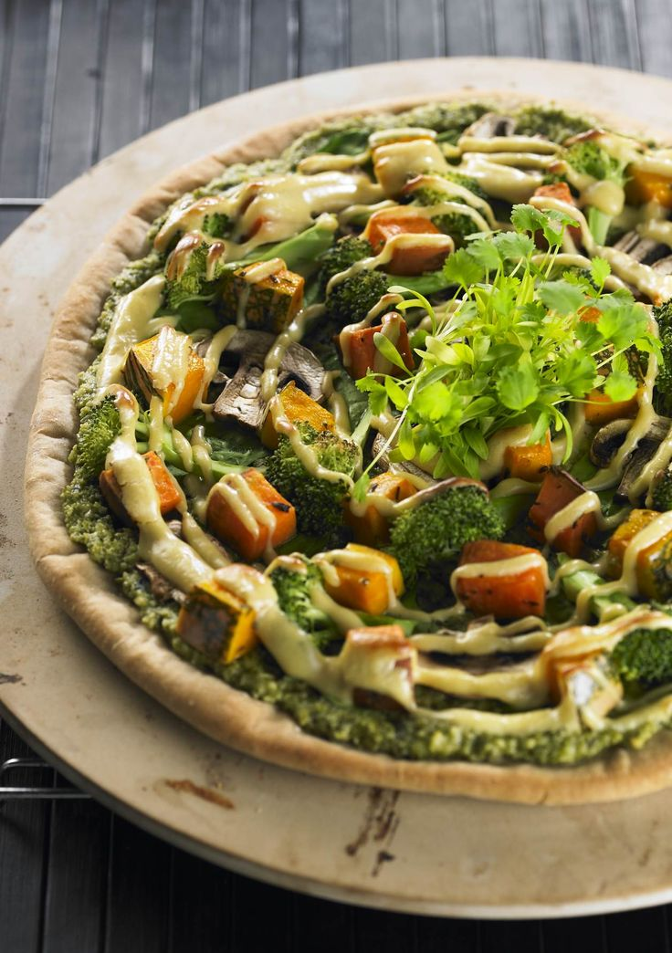 Spelt Pizza with Macadamia Pesto | This is a fabulous family meal, that is not only tasty but dense with nutrients. Spelt flour is naturally low in gluten and higher in protein than regular white, wheat flour. The pesto coupled with the vegetable topping makes this a great way to tastily increase the plant content of your diet. | www.drlibby.com