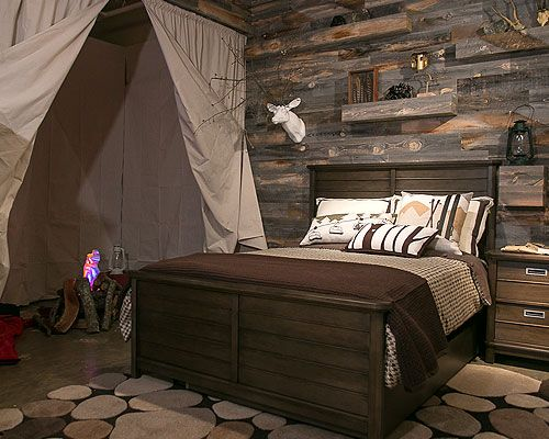 Awesome kids room with reclaimed wood