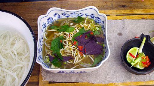 Vietnamská polévka Pho-bo — Recepty — Herbář — Česká televize
