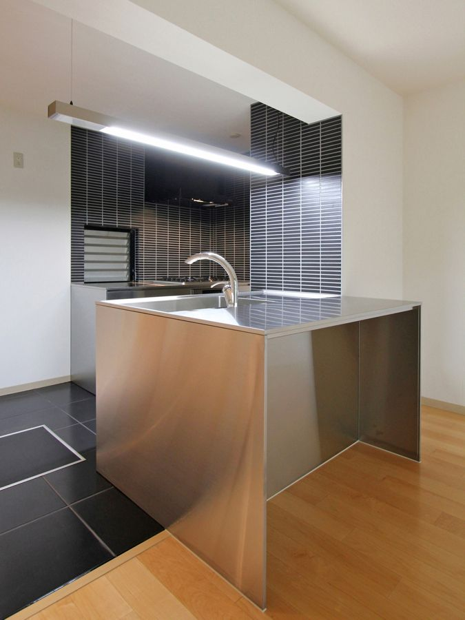APARTMENT 75 by FieldGarage Inc.
