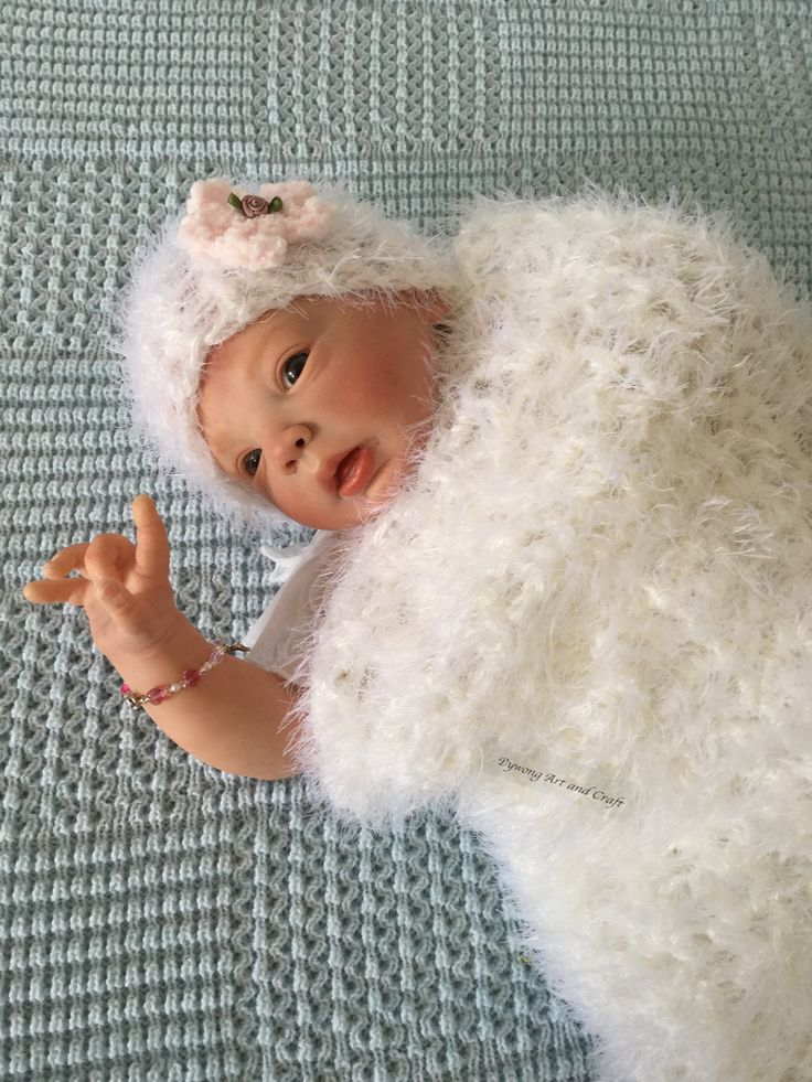 Lifelike baby doll made by Julie at www.bywongartandcraft