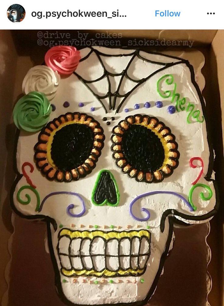 Do this in actual cake tnough Skull Pull Apart Cupcake Cake