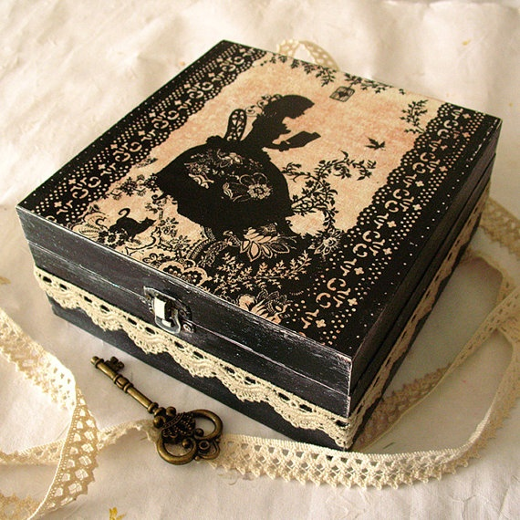 Jewelry Box  Miss Shadow par Minasmoke sur Etsy, $31,50 i love this