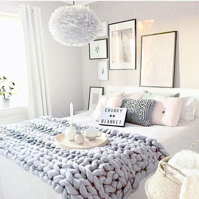 les 25 meilleures id es de la cat gorie couvertures grosse maille sur pinterest couverture. Black Bedroom Furniture Sets. Home Design Ideas
