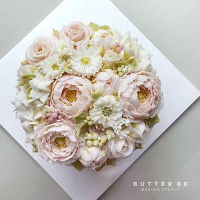 Butterbe buttercream flower piping Video tutorial OPEN!!! Instagram(DM) :@jeju_butterbe E-mail : butterbe@naver.com Website : www.butterbe.com Contact : +82.70.8884.8203 / +82.10.5584.8203 #buttercreamflower #butterbe #koreancake #koreanbuttercreamcake #koreanstyle #cake #flowercakeclass #flowercakes#flowercake #weddingcakes#sweets #floralcake #bunga #keju #kue #花蛋糕 #韩国料理 #mentega #butterflower #butterflowercake #蛋糕…