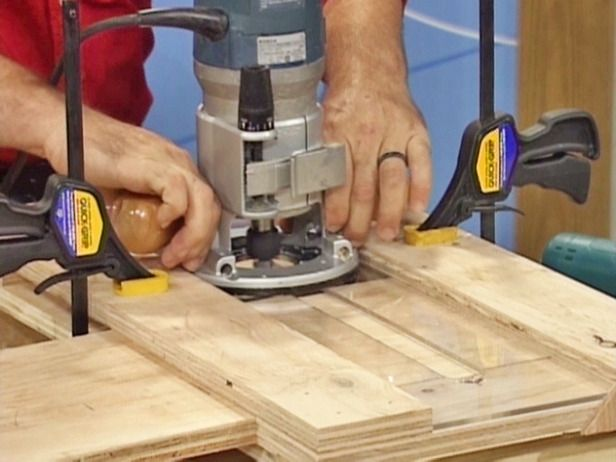 HOW TO MAKE A JIG FOR CUTTING DADO JOINTSRouting dado joints can be a nuisance when making several at a time. This simple homemade jig can make the job easier and more accurate.