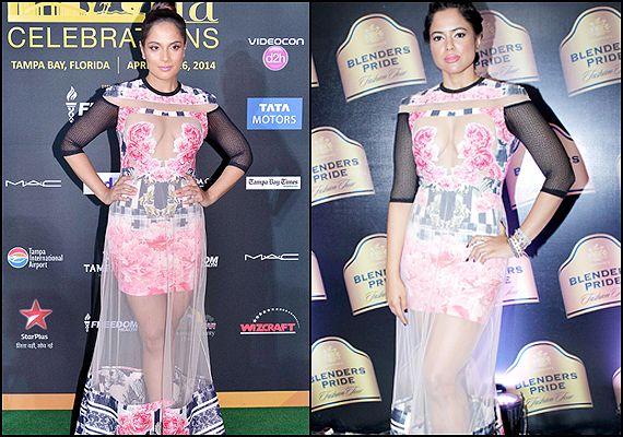 IIFA 2014: Richa Chaddha's faux pas copies Sameera Reddy's Falguni-Shane Peacock outfit (see pics)