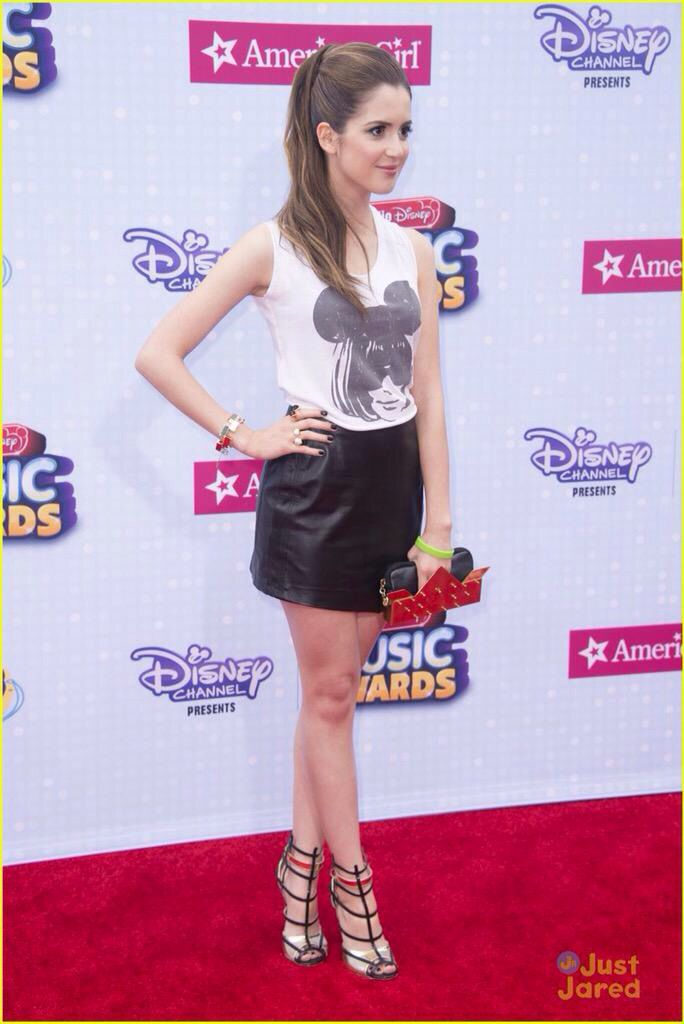 love her hair tied up auslly raura r5 pinterest her hair olivia d 39 abo and laura marano. Black Bedroom Furniture Sets. Home Design Ideas