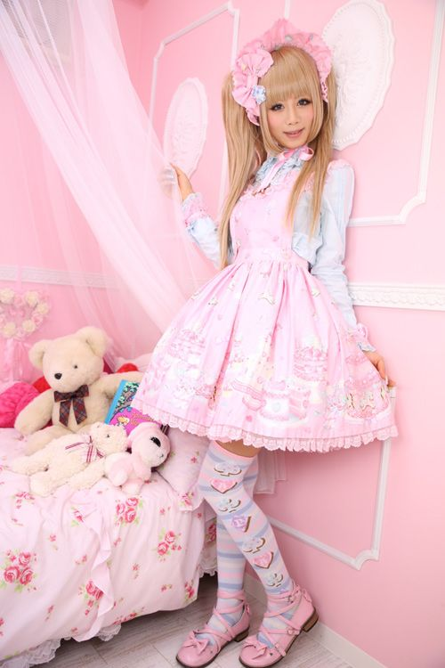 ☮JAPANESE STREET FASHiON☮••• sweet lolita ~ pastel ~ Angelic Pretty ~ room decor ~ bonnet ~ cute ~ kawaii