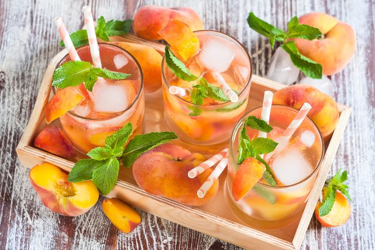 We guarantee you'll be peachy keen on this light, classy bellini cocktail. Sophisticated and slightly fizzy with a hearty glug of champagne & peach schnapps